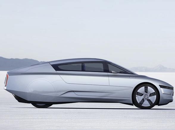 Volkswagen L1 to pomysł na przyszłość motoryzacji prosto z salonu samochodowego we Frankfurcie. To też rozwinięcie pomysłu z 2002 roku - wtedy powstał pierwszy VW L1