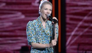 """Daria Zawiałow podczas koncertu """"Debiuty"""" w Opolu w 2016 roku"""